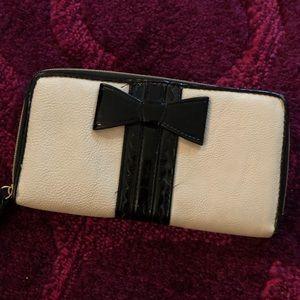 EUC Betsy Johnson Wallet